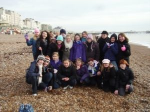 p_00_Rydes_Hill_Guides_enjoy_the_beach_in_January_before_seeing_Holiday_on_Ice_2009